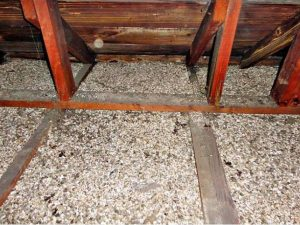 vermiculite insulation removal